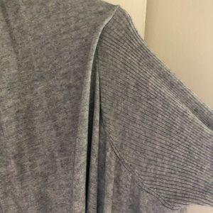 LULU soft thin sweater open!